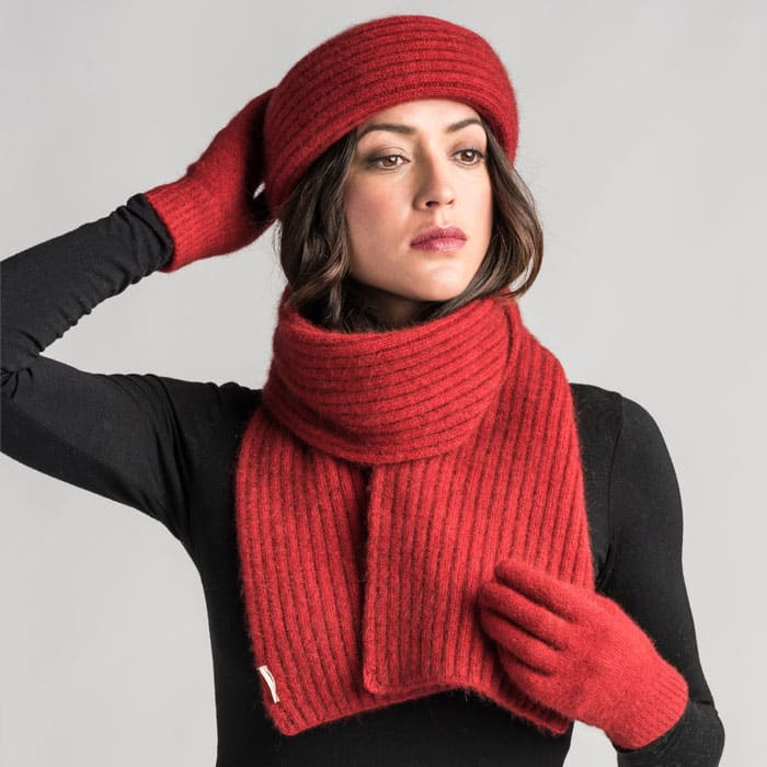 Merino Mink Ribbed Scarf in Red