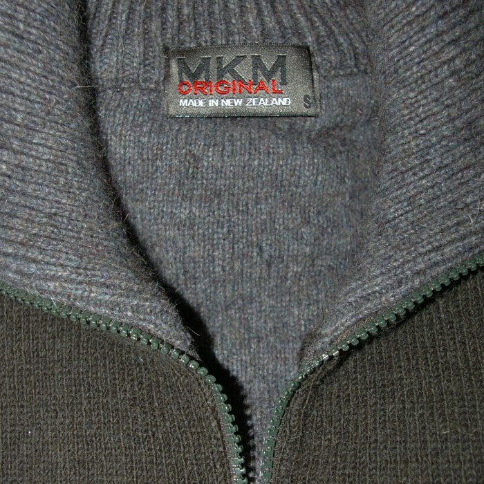 Possum Merino Mens Tasman Half Zip Jumper in Hunter Green Collar Detail