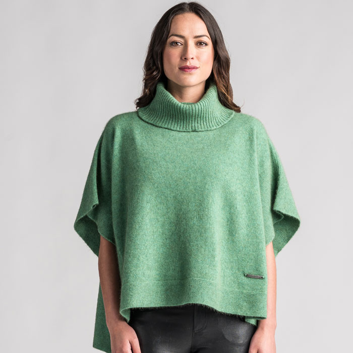 Merino Mink Lanarch Cape in Aloe