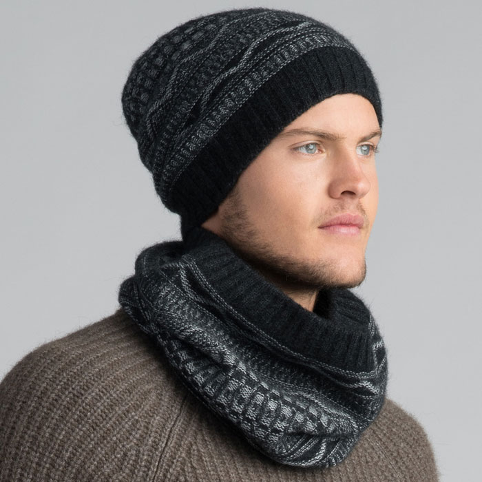 Possum Merino Peak Snood & Beanie in Graphite