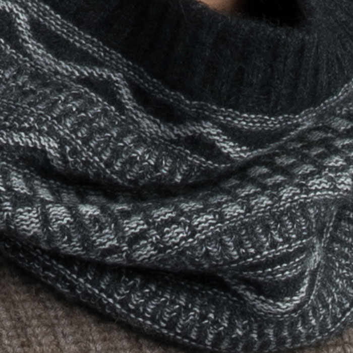 Possum Merino Peak Snood in Graphite Detail
