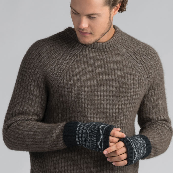 Possum Merino Peak Wristwarmers in Graphite Full