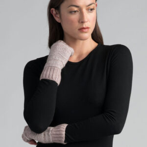 Possum Merino Peak Wristwarmer in Wistful