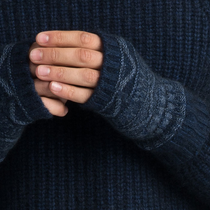 Possum Merino Peak Wristwarmers in Zephyr