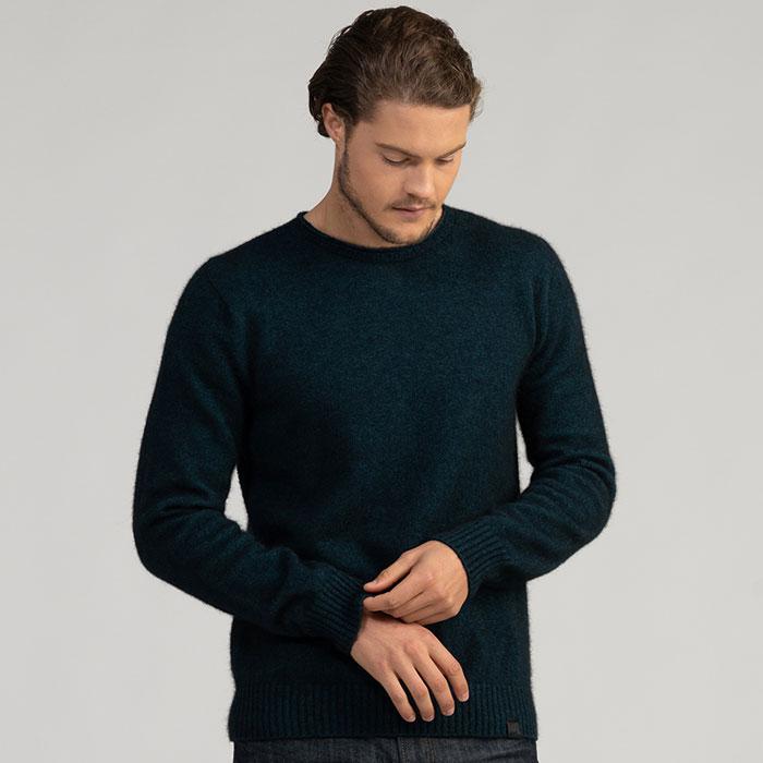 Merino Mink Classic Crew Neck Sweater in Peacock Front