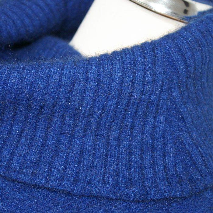Possum Merino Lanarch Cape in Royal Blue Collar Detail