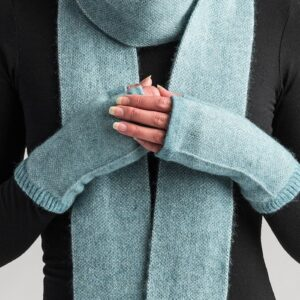 Merino Mink Tweed Wristwarmers in Mist