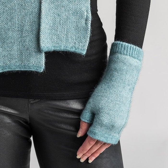 Merino Mink Tweed Wristwarmers in Mist Detail